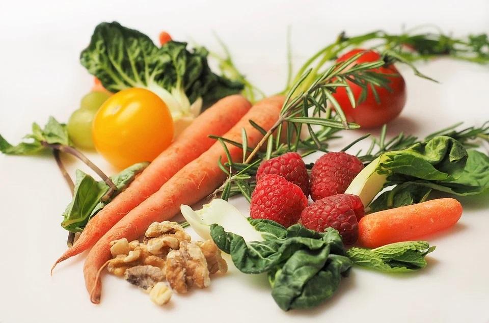 Zelenina s ovocem