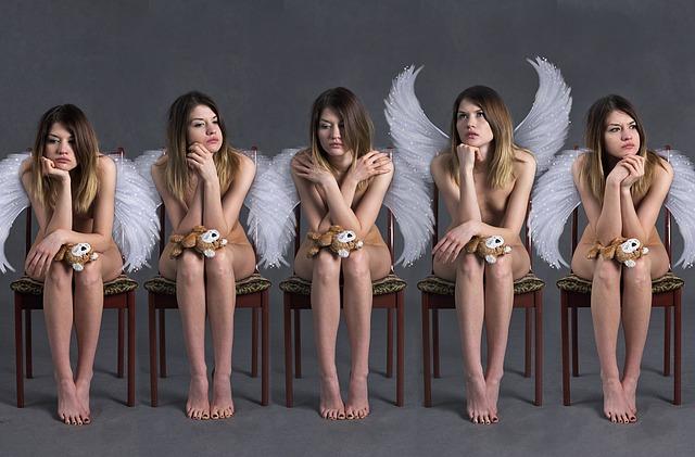 dívky s křídly.jpg