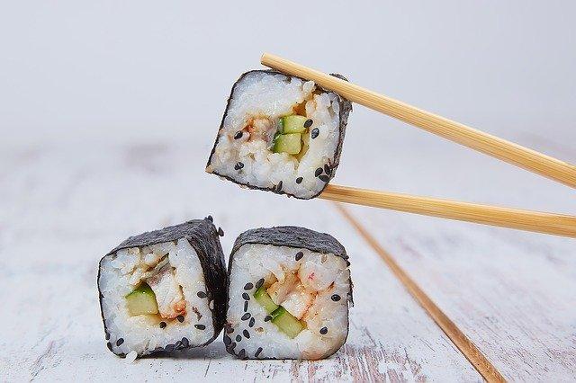 Sushi s řasou